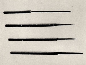Gold accupunture needles from Liu Sheng's tomb. Wenhuadageming qijian chutu wenwu p. 16